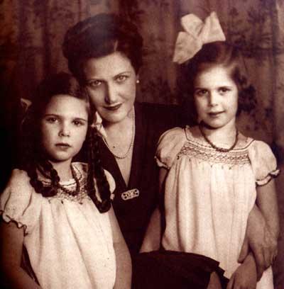 Michael, com seus dois filhos: Paris e Texas.